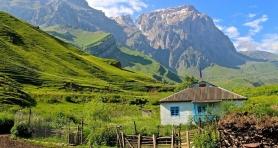 Jest takie miejsce na Kaukazie, które każdy ambitny turysta musi odwiedzić... <br />