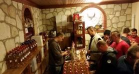 Wyprawa samochodami terenowymi Rumunia. W trasie do Rumunii... była winnica i dużo wina. .. degust