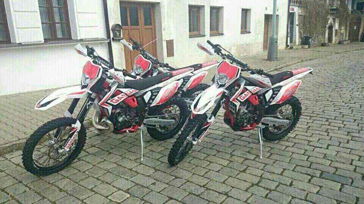 Nowe maszyny juz zapakowane i jadą do Polski. W przyszłym tygodniu dojedzie jeszcze 5 sztuk 250 F