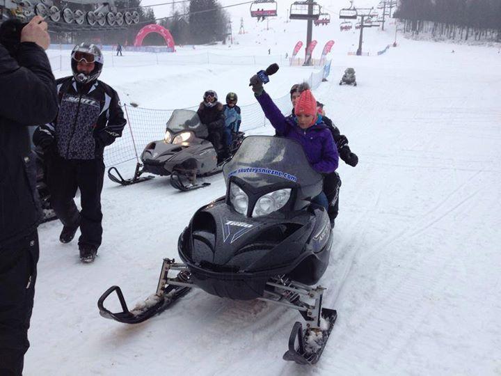 Tak sie bawimy na skuterach :) masz ochotę zapraszamy :) Nasze lokalizacje na www.snowcat.pl